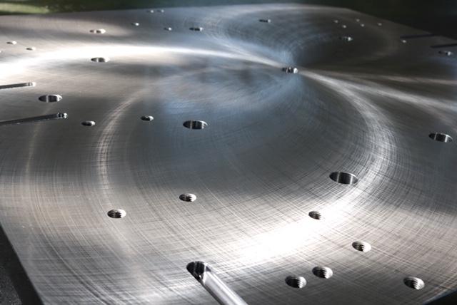 材質:SS400<br />サイズ:1,200mm x 1,200mm x 50mm<br />2F支給材の機械加工